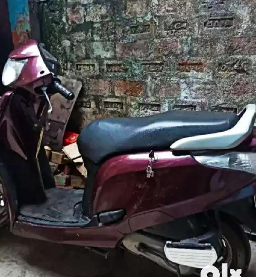 Showroom condition first owner new tyres self start