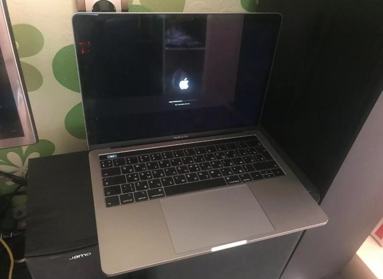 Apple macbook pro 133 128gb ssd intel core i5 8th gen