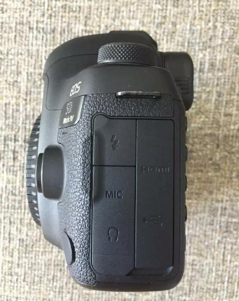 Brand new canon 5d mark ii with complete accessories for sal