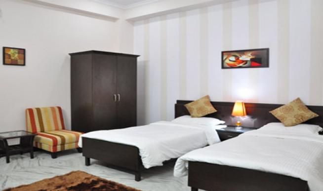 1rk set on rent near iffco chowk gurgaon 9643062458