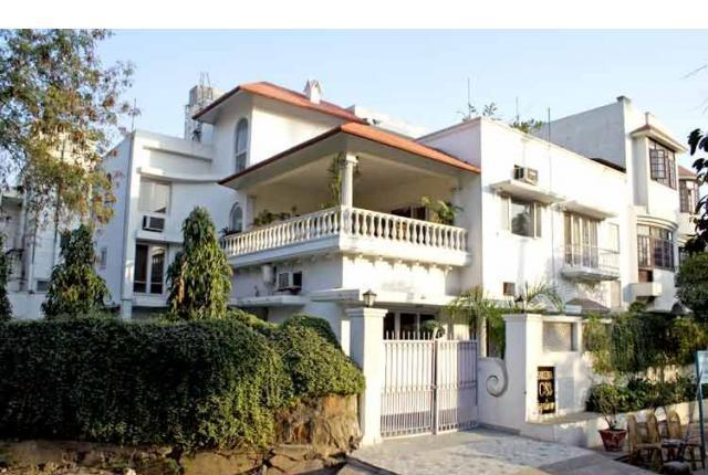 2bhk floor near by Iffco chowk Gurgaon 9899401469