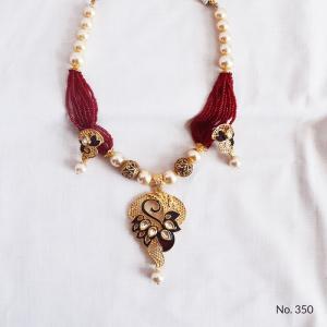 Buy imitation jewellery online to look fashionable