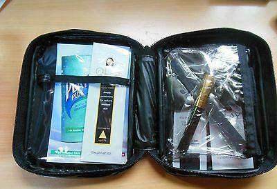 Travel cosmetic zippered bag/case/ makeup pouch includes