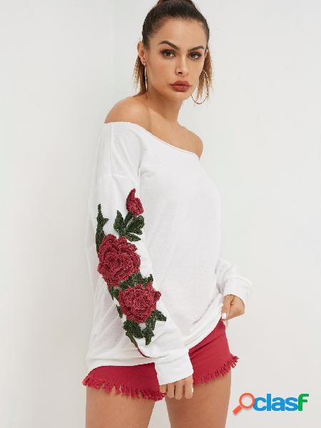 White rose embroidered one shoulder bat sleeves sweatshirt