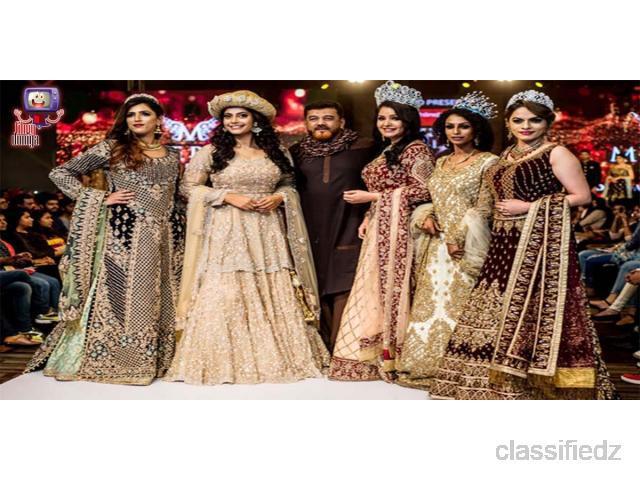 Celebrity Fashion: Fashion news & trends, beauty Tips,