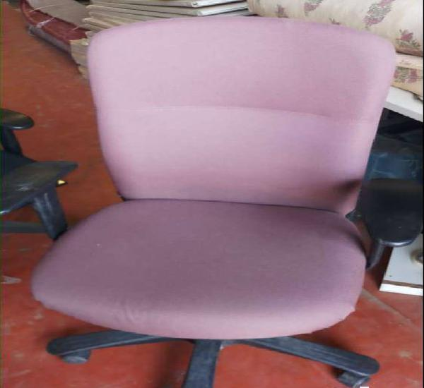 Used office chairs price 2800 to 5000 available branded