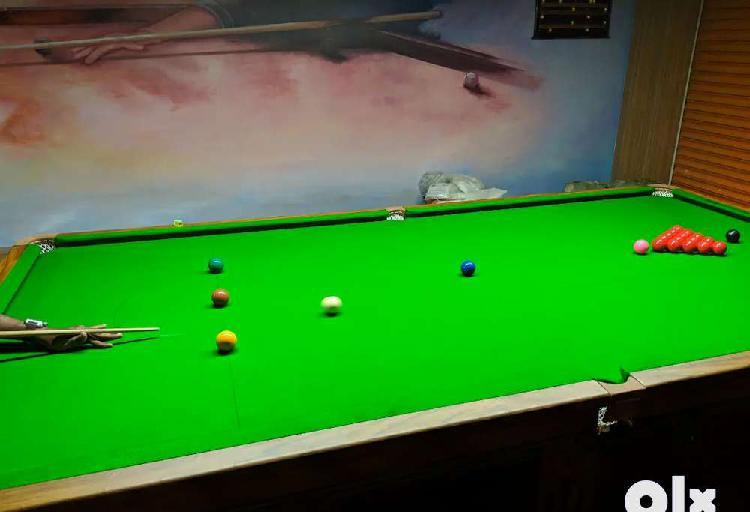 Snooker, 8 ball table, 8 jb speakers, amplifier, 5kv ups