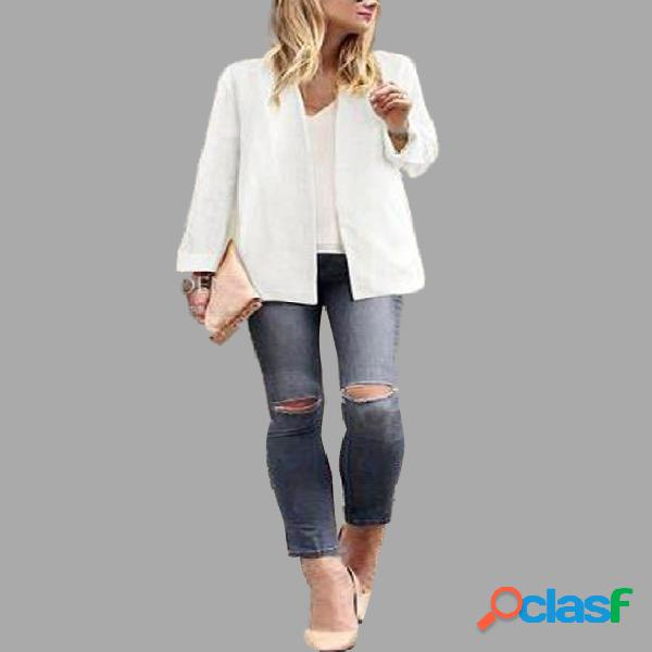 Plain white color plugne coat with shoulder pad