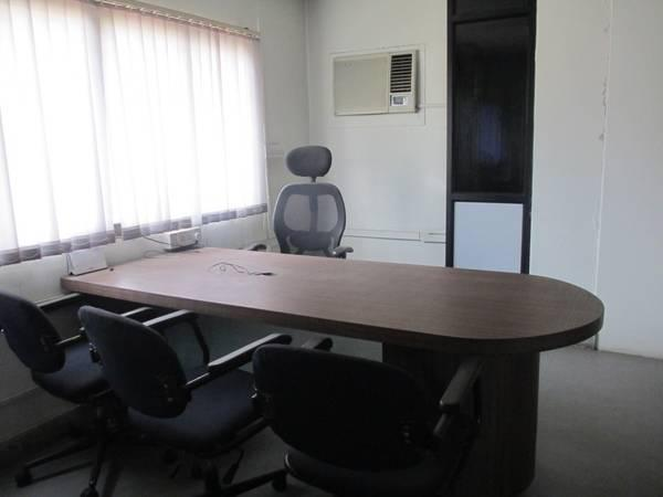 Furnished 600 sqft space for office on 2nd floor in chd -