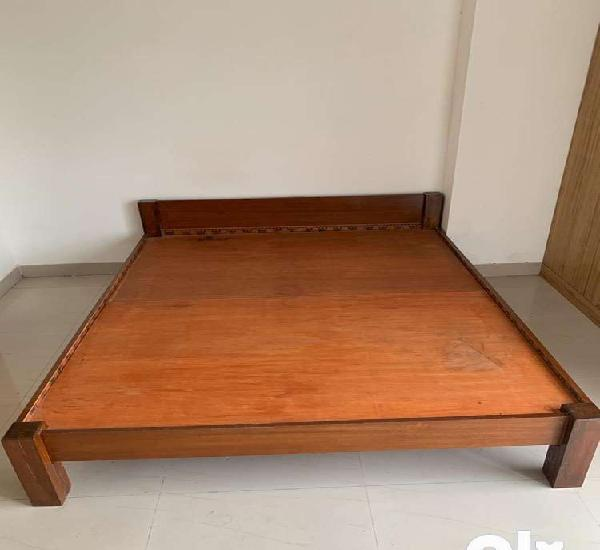 Queen size double bed without storage