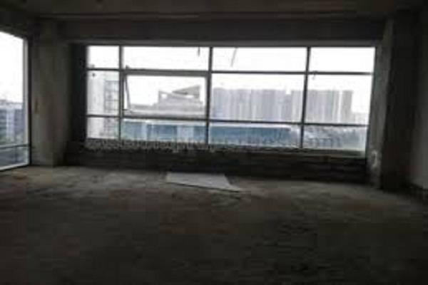 Unfurnished 450 sqft office area on 2nd floor in rs 77/sqft