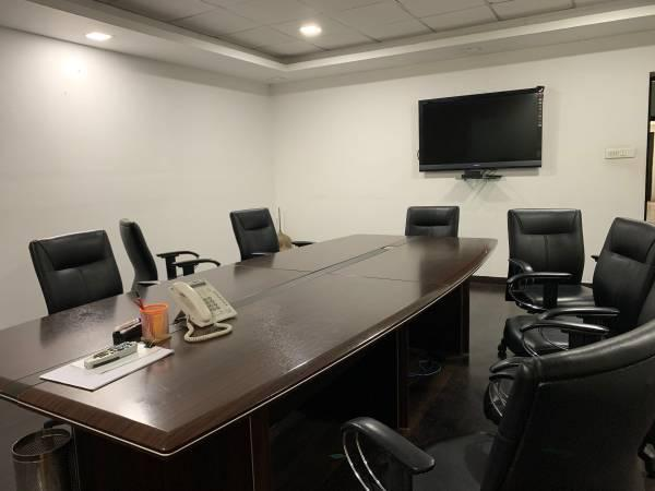 Conference table and executive chairs - antiques - by owner