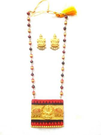 Handmade jewellery/terracotta necklace/festive fashion -