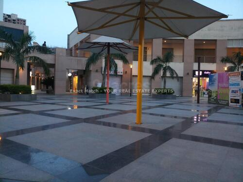 Showroom space for rent in down town mall at new town