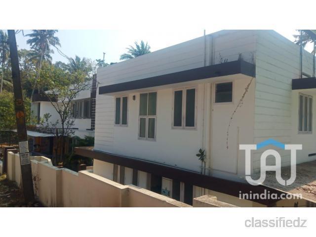Commertial plot & house for sale @kesavadasapuram