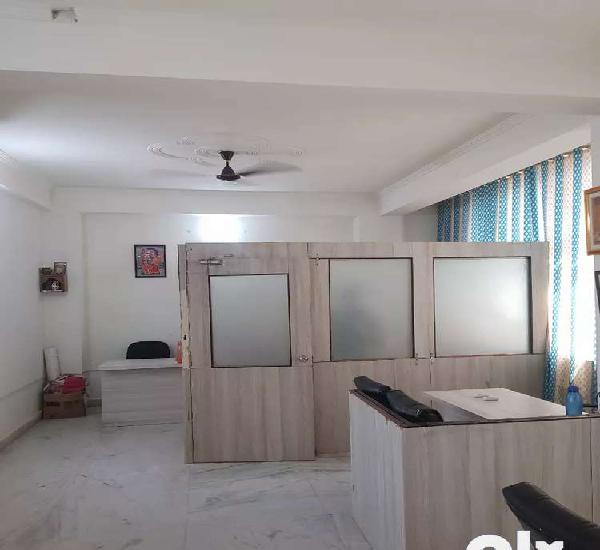 Vaishali 400 sq.ft furnished office in commercial building