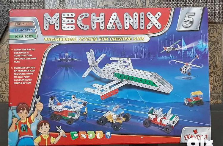 Mechanix 5, ultimate engineering game, brand new condition,