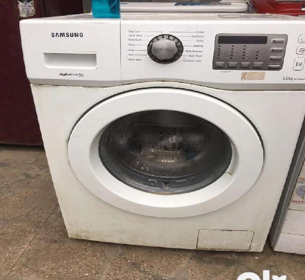 Samsung front load washing machine in excellent condition