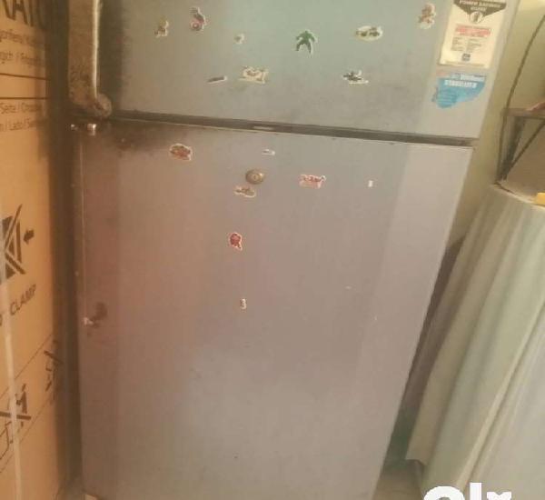 Lg double door 240lts fridge