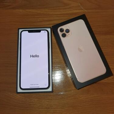 New sealed original apple iphone11 pro max chat 9643390259