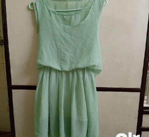 Pista green sleeveless dress (mini)