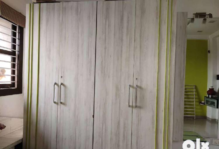 4 door wardrobe and big hydraulic double bed