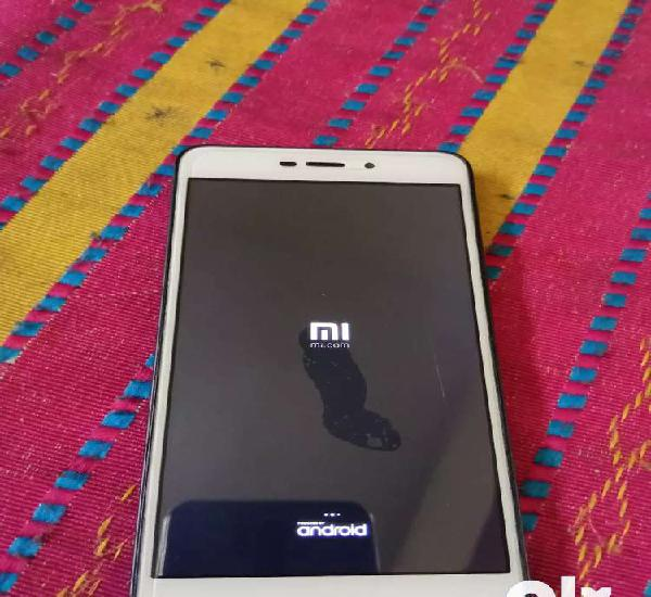 Red mi 4a 3gb 32 gb perfect working no problem only sign on