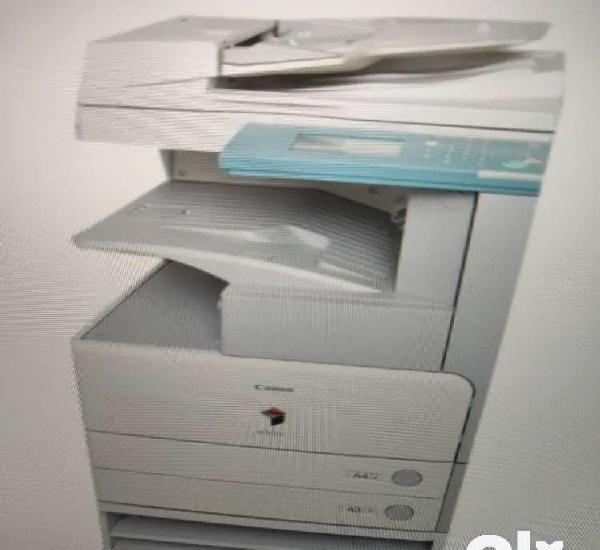 Xerox machine/photostat machine
