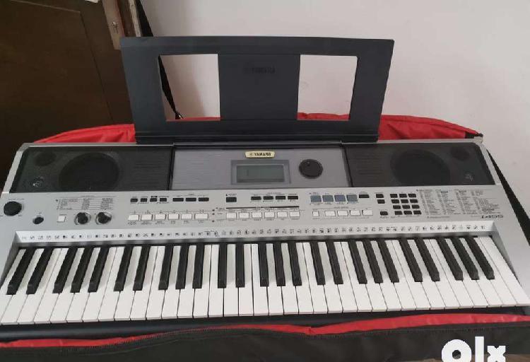 Yamaha keyboard psr i455 17 month old