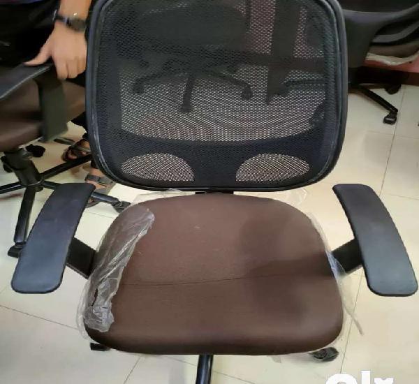 Adjustable wheel chair