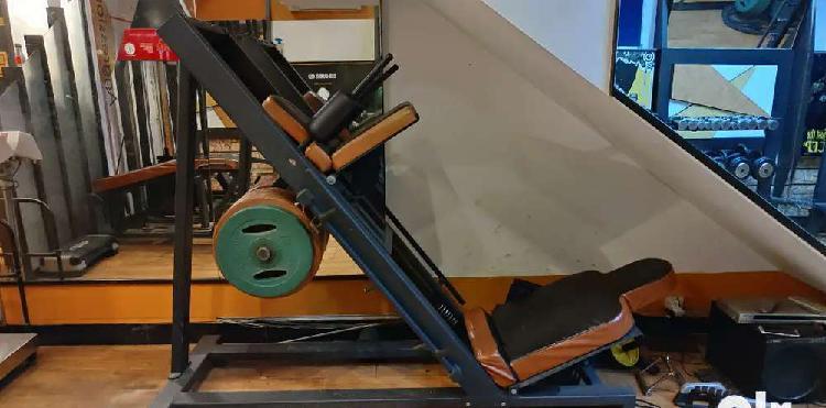 Leg press machine in excellent condition