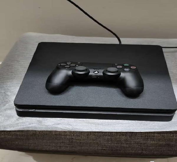 Sony Playstation PS4 only 35 day old 1 tb