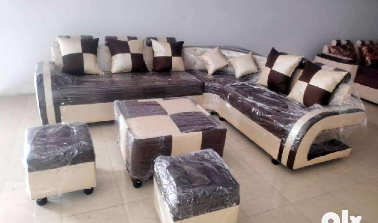 New corner sofa set with 2 puffy, tabel