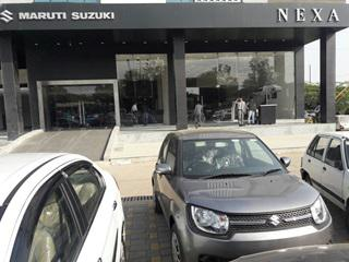 Rajrup motor junction - best nexa maruti car showroom bhopal