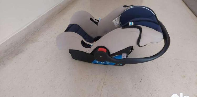 Baby car seat, excellent condition