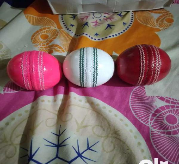 A Good Collety Season Cricket Ball