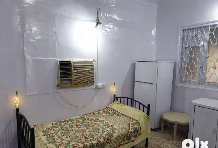 2bhk flat on rent only for girls pg