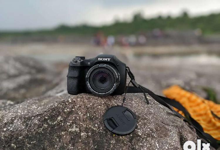 Camera sony dsc-h300