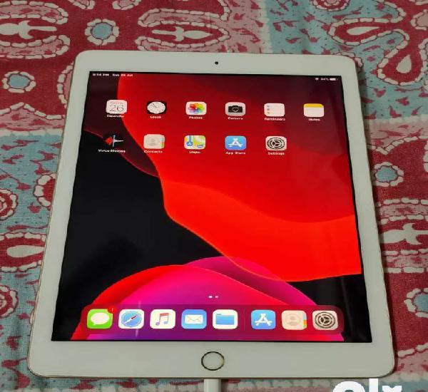 Ipad 5 32gb wifi gold colour, good condition