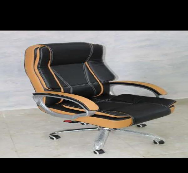 High back red jupiter boss chair for long sitting
