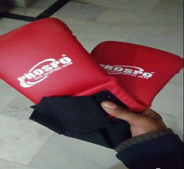 Unused twakando martial arts boxing gloves brand new