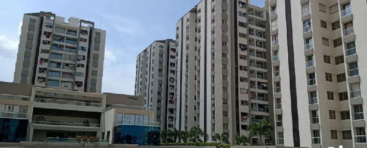 Beautiful 3 bhk semi furnished highrise flat near ambika