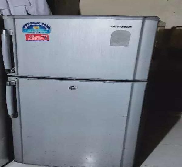 Samsung refrigerator 300 litres double door good condition