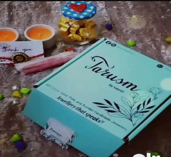 Buy rakhi hamper so cheap n finest quality