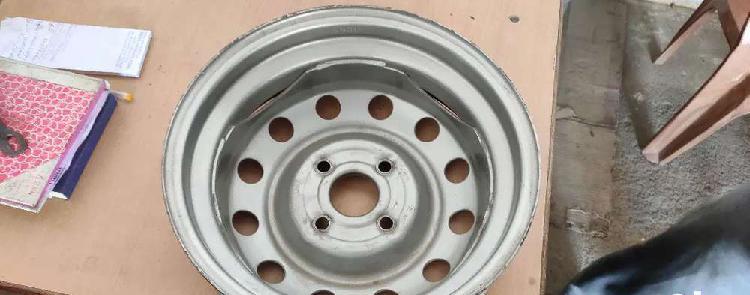 Hyundai i10 wheel disc for sale