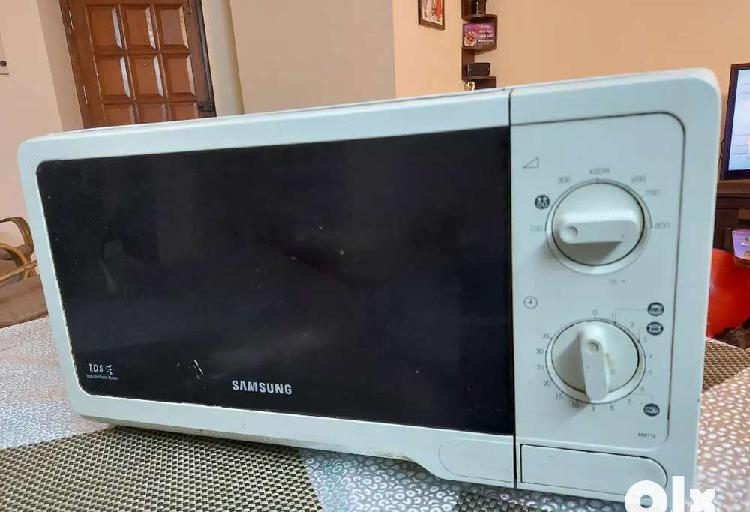 Samsung 20 ltr microwave (working perfectly)