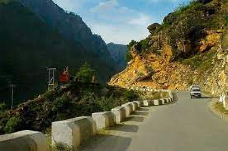 Book online taxi for delhi to manali