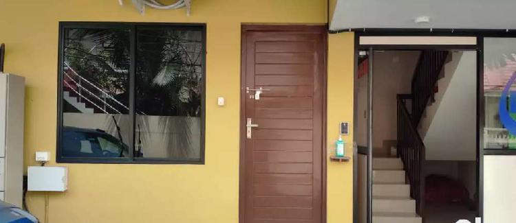 Single room furnished for bachelors/ladies/couples in