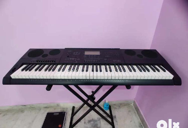 Casio wk-7600 (76 keys) keyboard for sale